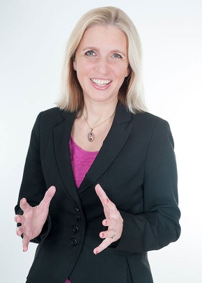 Executive presentation coach for senior executives, Helen Sewell